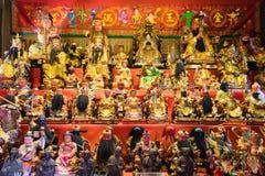 Китайская полка поклонению святыни с много богов то верование людей стоковая фотография