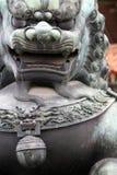Китайская статуя льва - близкое поднимающее вверх Стоковое Изображение RF