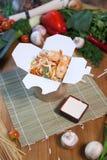 Китайские лапши в коробке вка Стоковые Фотографии RF
