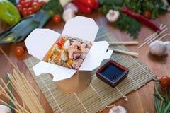 Китайские лапши в коробке вка Стоковое Изображение