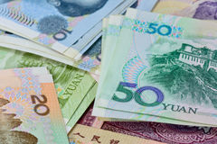 Китайские банкноты юаней (renminbi) для денег и conce дела Стоковые Фотографии RF