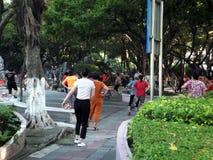 Китайские женщины танцуют Стоковые Фотографии RF