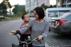 Китайские мать и ребенок Стоковое Изображение