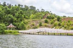 Китайские мост и газебо Стоковые Фотографии RF