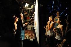 Китайские представления игры тени детей Стоковое Изображение RF