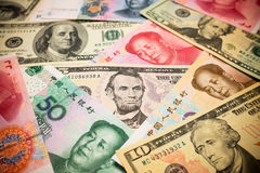 Китайские примечание юаней и u S вектор иллюстрации элемента доллара конструкции предпосылки Стоковая Фотография RF