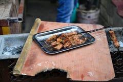Китайские протыкальники мяса овечки в барбекю стиля Синьцзян Uyghur стоковые фото