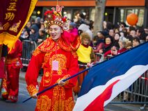Китайские торжества Нового Года проходят парадом на Париже стоковая фотография rf