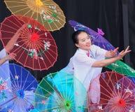 Китайские фольклорные танцоры Стоковые Фото