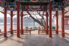 Китайский берег озера Pavillion Стоковые Фотографии RF