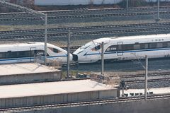 Китайский быстроходный поезд приезжая в станцию Чэнду южную Стоковая Фотография