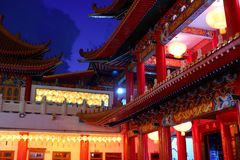 Китайский висок и китайские лампы Стоковая Фотография