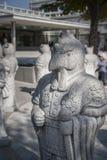 Китайский зодиак, каменная статуя петуха на Сеуле Стоковые Фото