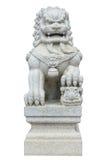 Китайский имперский лев, камень льва попечителя, китайский стиль на whi Стоковое Фото