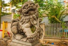 Китайский камень льва с путем клиппирования Стоковое Изображение RF