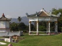 Китайский павильон на погосте стоковая фотография rf