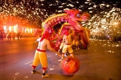 Китайский дракон в houtting утюге Стоковое Изображение
