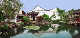 Китайский сад в Сучжоу, около Шанхая стоковые изображения
