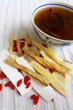 Китайский суп & травы травяной медицины Стоковые Изображения RF