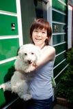 китайский усмехаться девушки собаки Стоковое Фото
