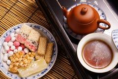 Китайский чай с традиционной закуской Стоковое фото RF