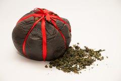 Китайский чай pu-Erh упакованный в высушенном грейпфруте Стоковая Фотография