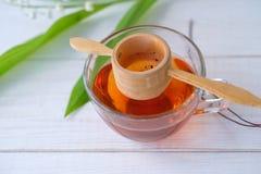 Китайский чай Shen Puer и ландыш Стоковое фото RF