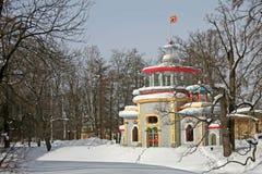 Китайский gazebo в парке Tsarskoye Selo стоковое изображение rf