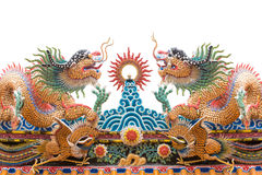 2 китайских дракона украшают на крыше виска Стоковые Изображения