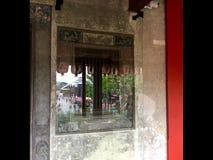 китайское украшение окно 2010 лета отражения офиса здания astana Lhong 1919 Туристическая достопримечательность Бангкок стоковое изображение