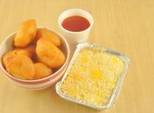 Китайцы принимают отсутствующую еду Стоковые Изображения RF