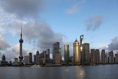 Китай взгляд shanghai ночи Район Пудуна стоковые фотографии rf