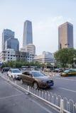 Китай, Пекин Здания и бульвар высотного здания современные Стоковые Изображения