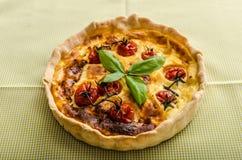 Киш с томатами сыра и вишни Стоковые Изображения RF