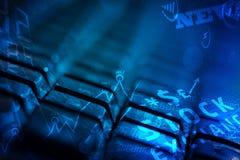Клавиатура с накаляя значками дела Стоковое Изображение RF