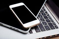 Клавиатура с ПК телефона и таблетки Стоковое Фото