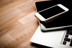 Клавиатура с ПК телефона и таблетки Стоковые Изображения