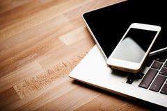 Клавиатура с ПК телефона и таблетки Стоковое Изображение