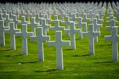 Кладбище Люксембурга американское & мемориальные кресты стоковое изображение rf