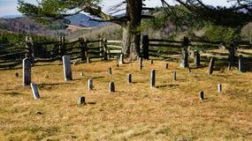 Кладбище семьи в горах Стоковые Фотографии RF