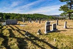 Кладбище семьи в горах - 2 Стоковое фото RF