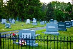 кладбище страшное стоковое изображение rf