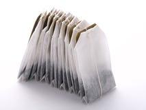 кладет чай в мешки стоковое фото rf