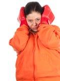 кладя в коробку тучная женщина избыточного веса перчаток стоковое фото rf