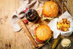 классика бургера говядины Стоковые Изображения