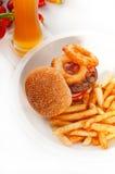 классика жарит сандвич гамбургера Стоковые Фотографии RF