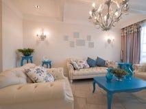 классицистическая живущая роскошная комната Стоковая Фотография RF