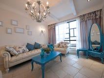 классицистическая живущая роскошная комната Стоковое Изображение