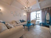 классицистическая живущая роскошная комната Стоковые Изображения
