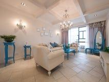 классицистическая живущая роскошная комната Стоковая Фотография